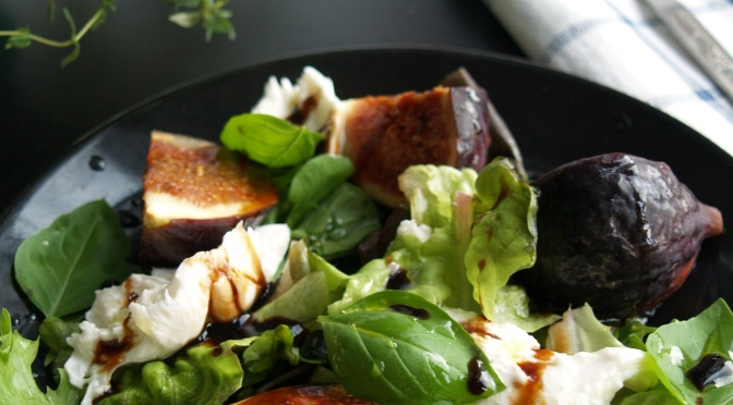 Weekend market special: fig, mozzarella and basil salad