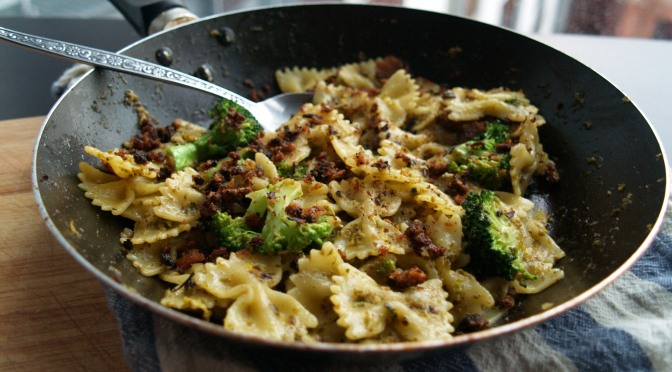Broccoli and pesto farfalle with pangritata
